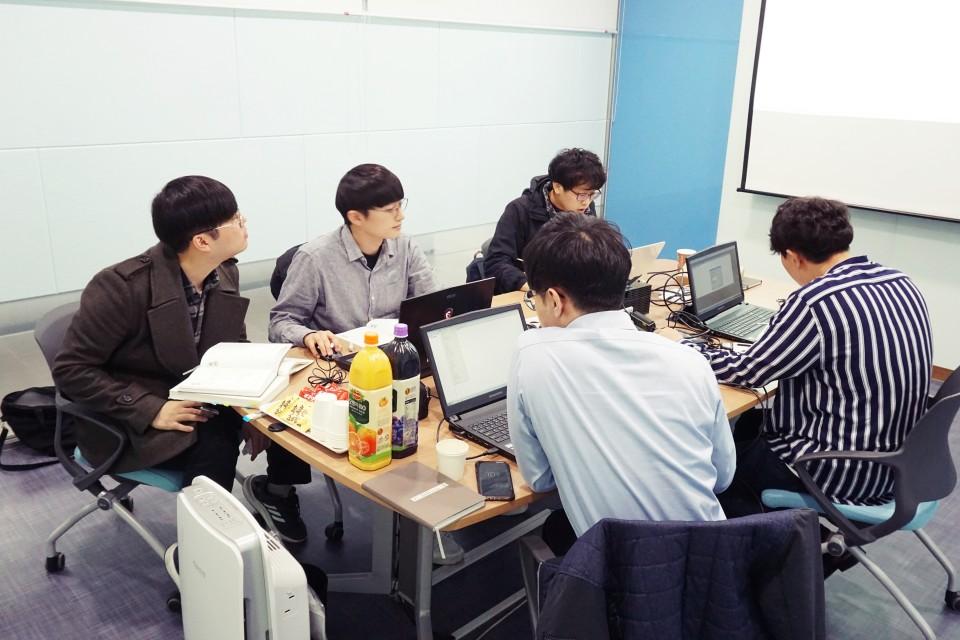 PLC & HMI Training for employees in SK Hynix